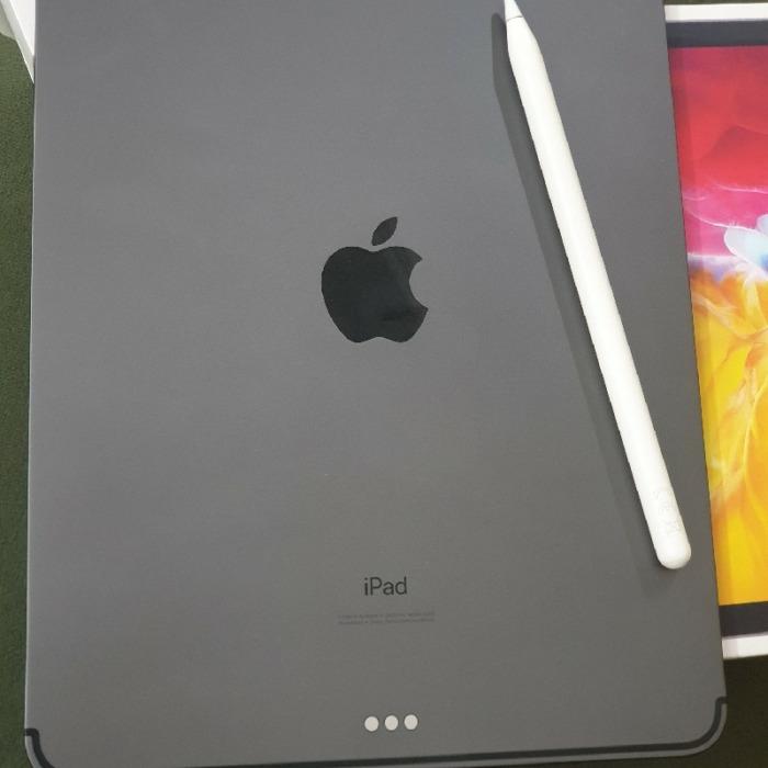 آیپد پرو ۲۰۲۰ یازده اینچی سلولار+قلم نسل ۲ و کیف کارکرده