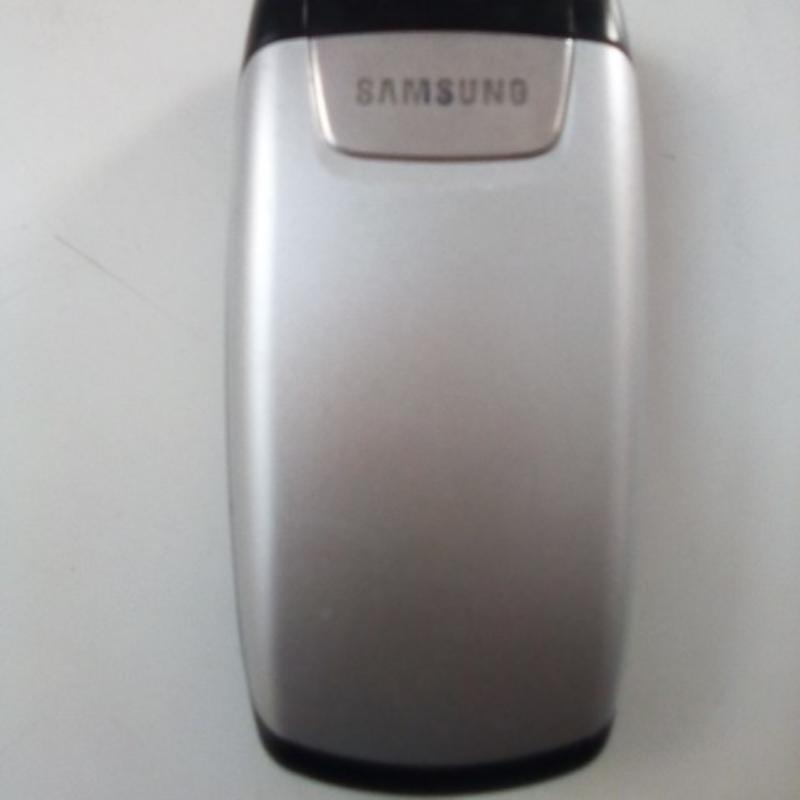 یک گوشی سامسونگ تا شو به فروش میرسد