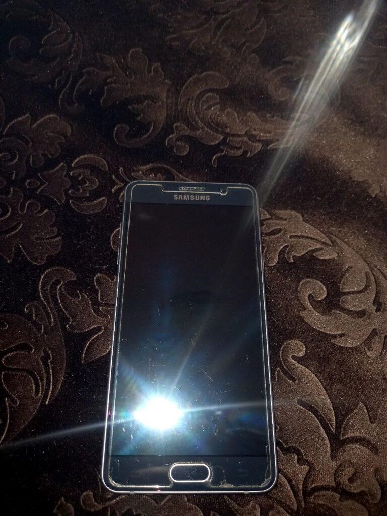 سامسونگ Galaxy A5 (2016) با حافظهٔ ۱۶ گیگابایت کارکرده