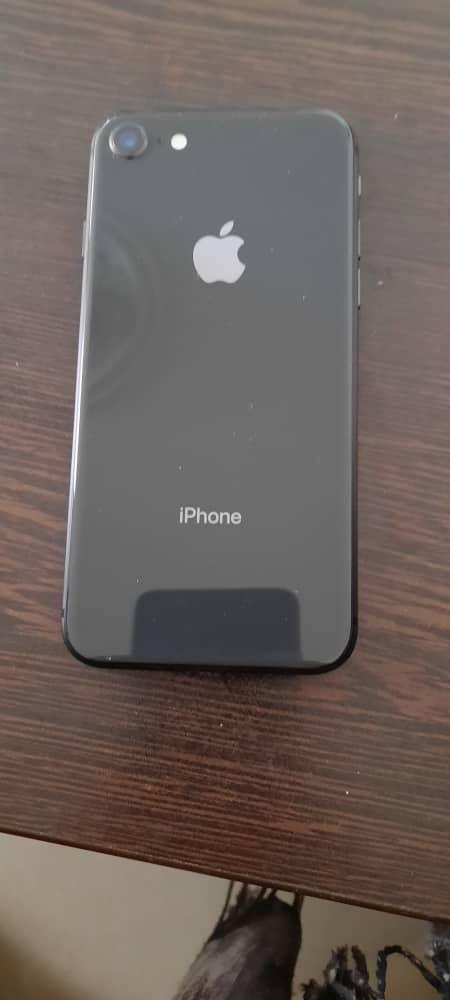 گوشی اپل iPhone 8 کارکرده